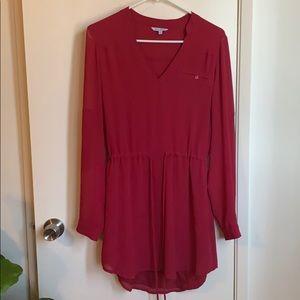 Raspberry shirt-dress. Tie waist.